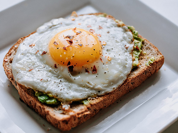 Bread with sunny side-up egg
